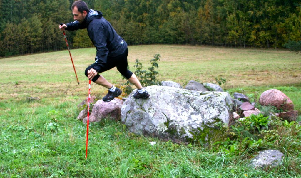Miroslav Mira ve skoku z kamene, Finsko, Paloheina park, 2013