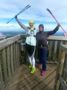 S kolegyní instruktorkou Kristinou Schejbalovou na rozhledně Boubín
